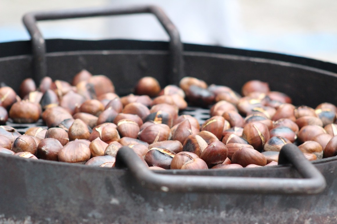 Roasted chestnuts - so french. Photo by pixabay.com.