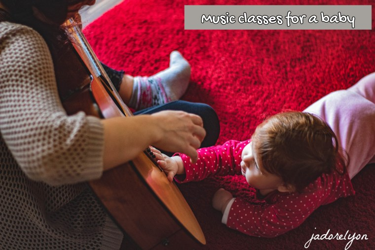 Music activities with a baby in France