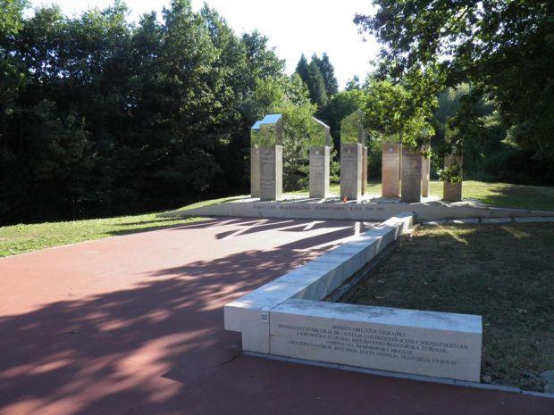 Спомен-обиљежје 314 погинулих хрватских бранитеља, инг. арх. Бранко Силађин, 2009.