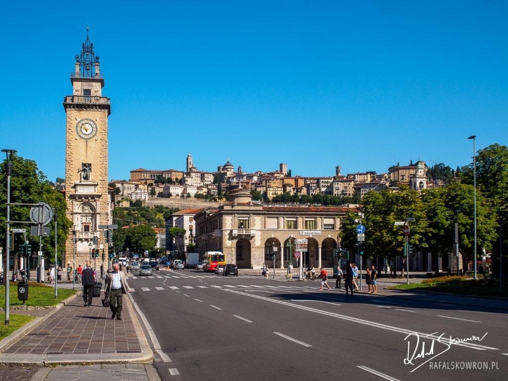 Widok na Città Alta z dolnej części Bergamo