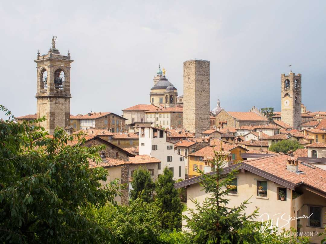 Trzy wieże w Bergamo Citta Alta