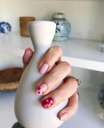 chanel-stars-nail-art