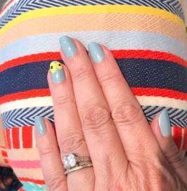 mani monday sunflower nail art essie jcrew beach blanket