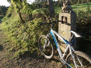 Bici-en-el-Camino-de-Santiago