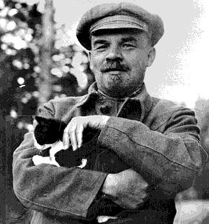 Lenin_and_Cat
