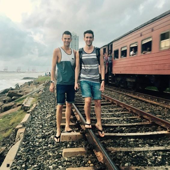 TukTuk Safari in Colombo, zwischen Zug und Meer