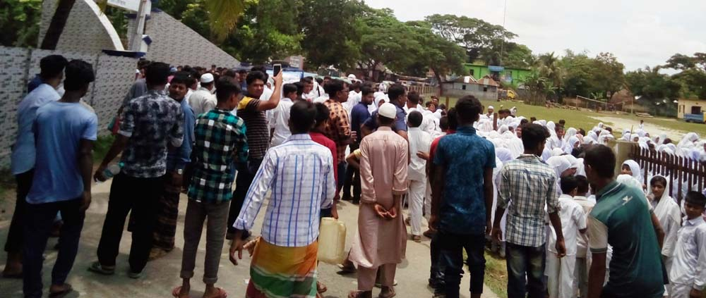 Police in the 40 minute bridge in Comilla saved the life of the student hanged