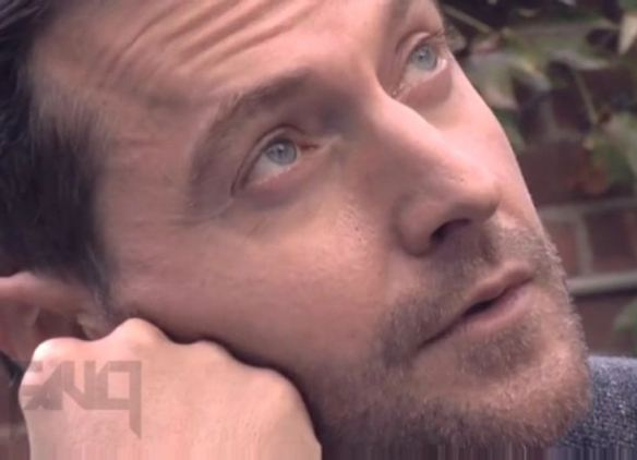 Richard Armitage notices a blimp of fangurls passing over.