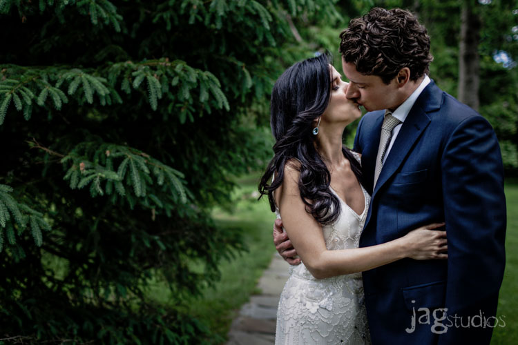 jagstudios-rayna-fraser-winvian-barn-morris-ct-destination-wedding-photography-006