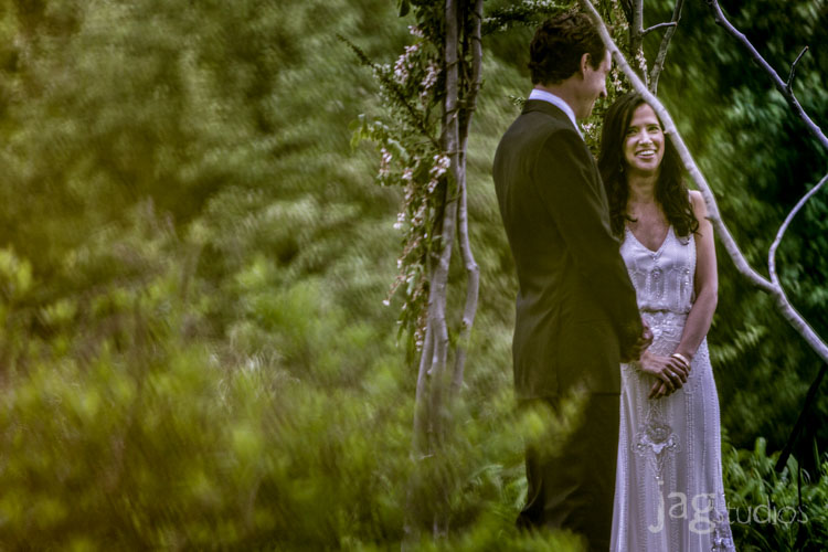 jagstudios-rayna-fraser-winvian-barn-morris-ct-destination-wedding-photography-016