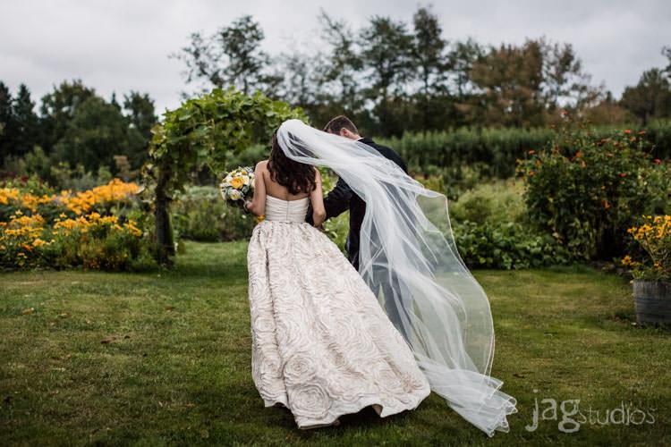 enchanted-luxury-winvian-wedding-fall-barn-jagstudios-johnna-chris-013