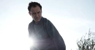 Sky commande le premier feuilleton immersif au mondeavec Jude Law