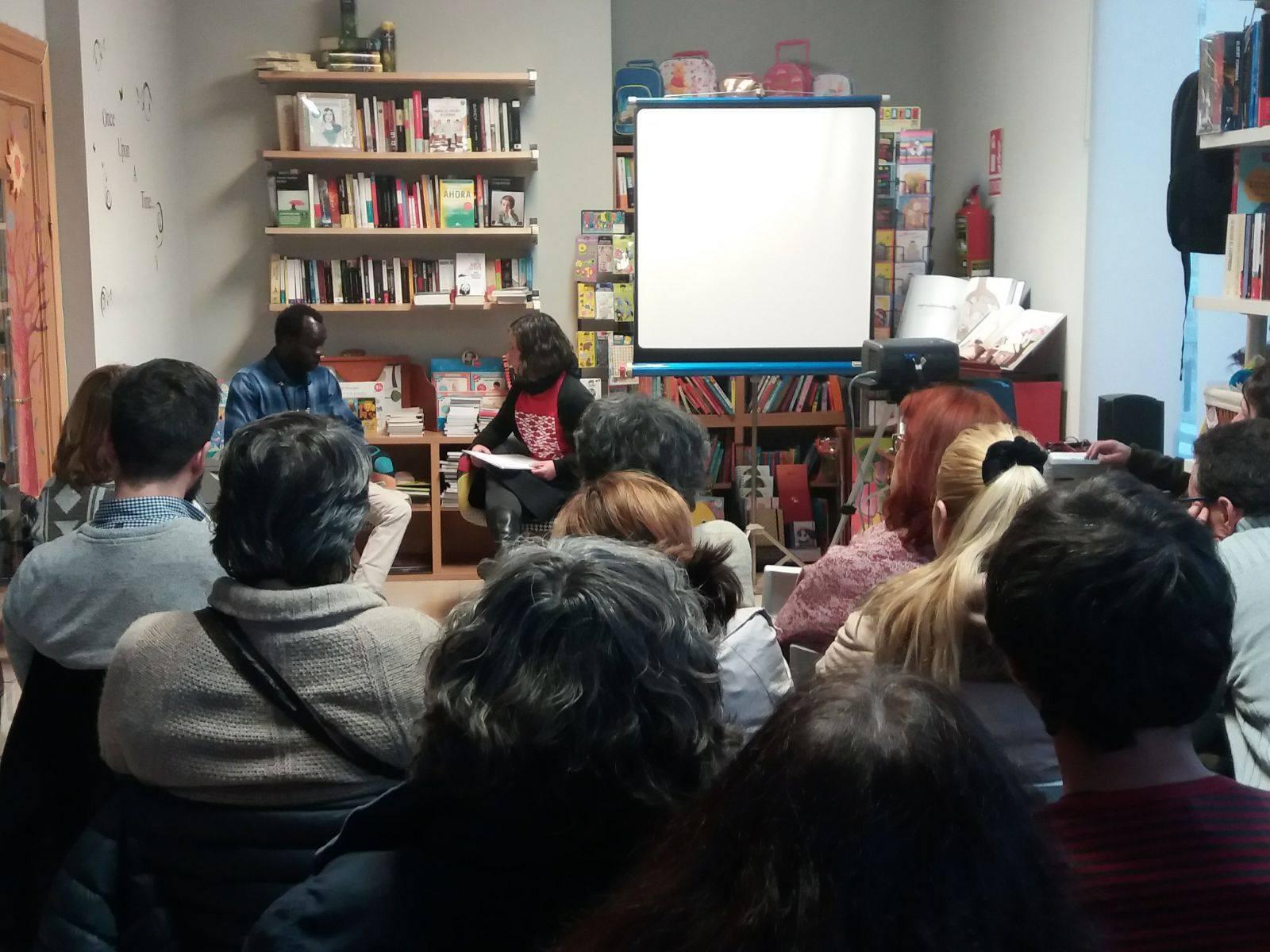 Leyes injustas. Presentación de Jai Jagat y presentación de los Manteros