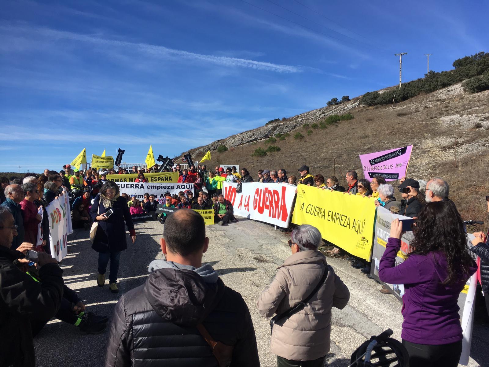 Entusiasmante marcha a la fábrica de armas en Burgos