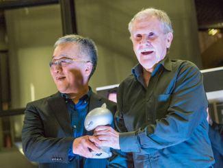Hermann reçoit le Grand Prix BD d'Angoulême des mains de Katsuhiro Otomo © Christophe Magick! Ribot