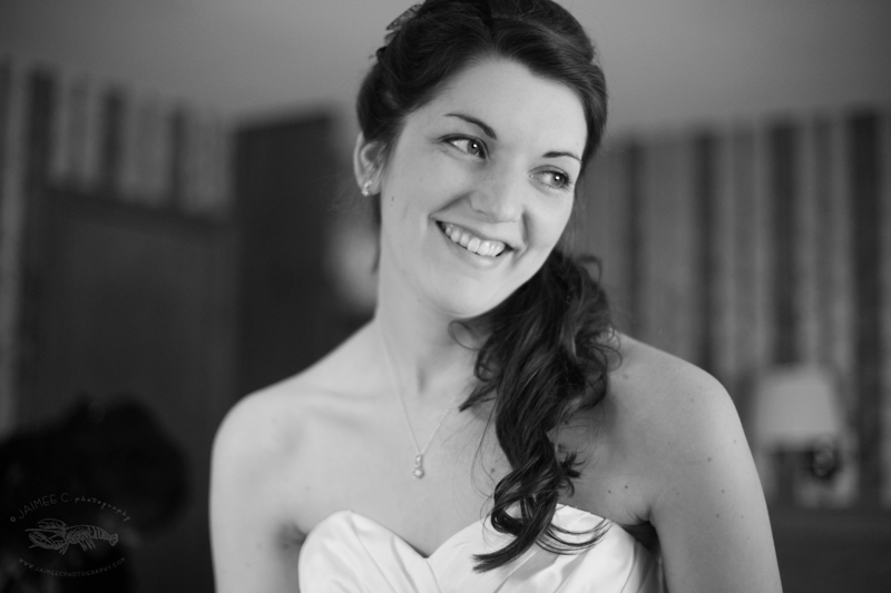 Maine Bride getting ready | Maine Wedding and Portrait Photographer