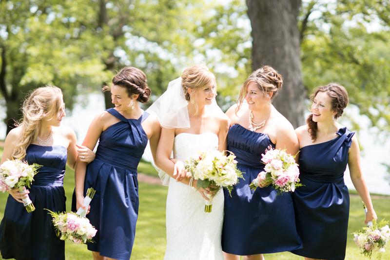 bridesmaids-blue-dresses-green-bouquet-succulents