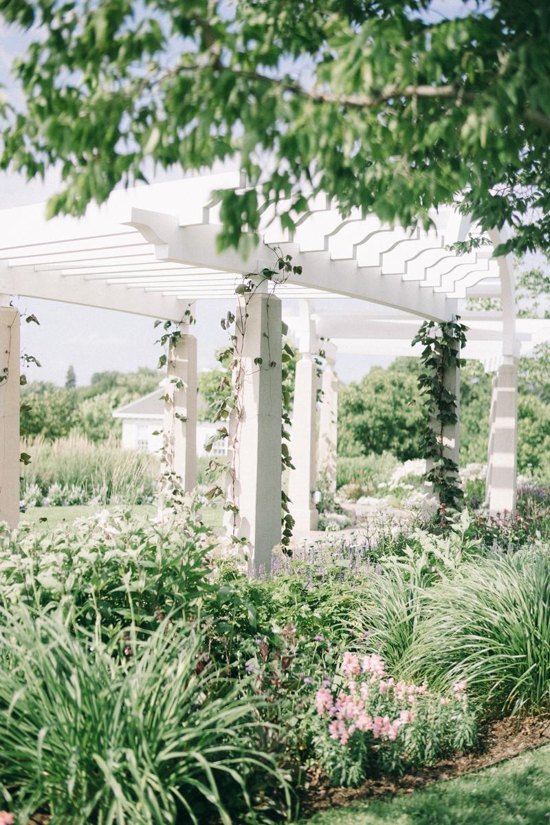 Minneapolis wedding photography ceremony location Minnehaha