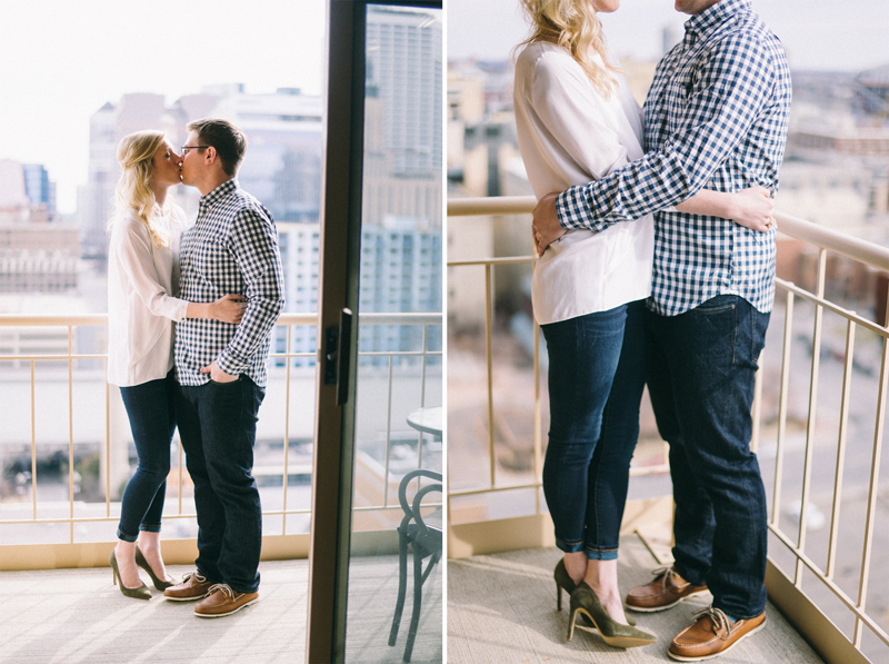 Minneapolis engagement photography with skyline