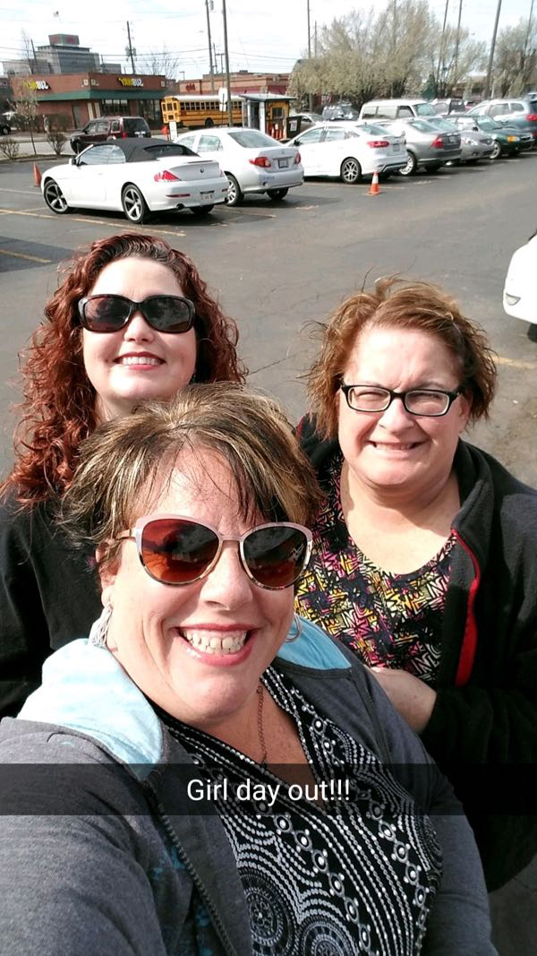 Girls day out before Stevie Nicks concert