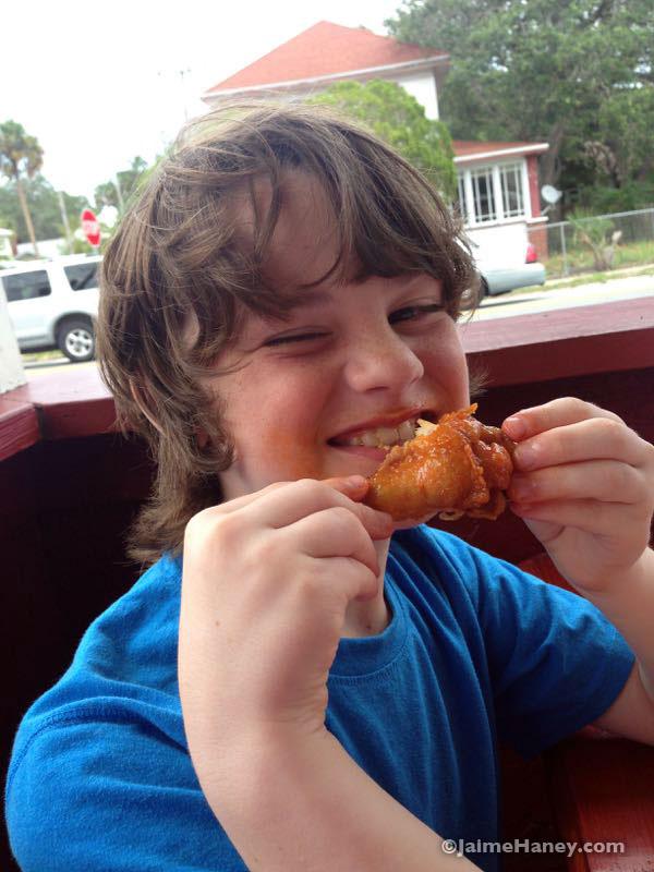 eating hot wings