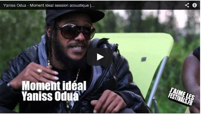 Session acoustique exclusive avec Yaniss Odua - Moment Ideal