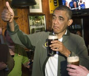 obama-drinking-a-beer