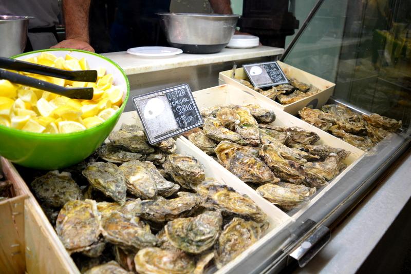 Mercado de San Miguel Madrid Spanje oesters