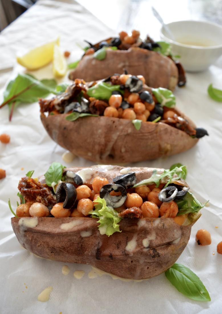 Zoete aardappel gevuld