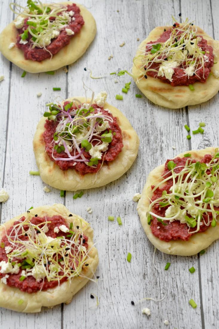 Mini Naanbrood met bietenpesto www.jaimyskitchen.nl