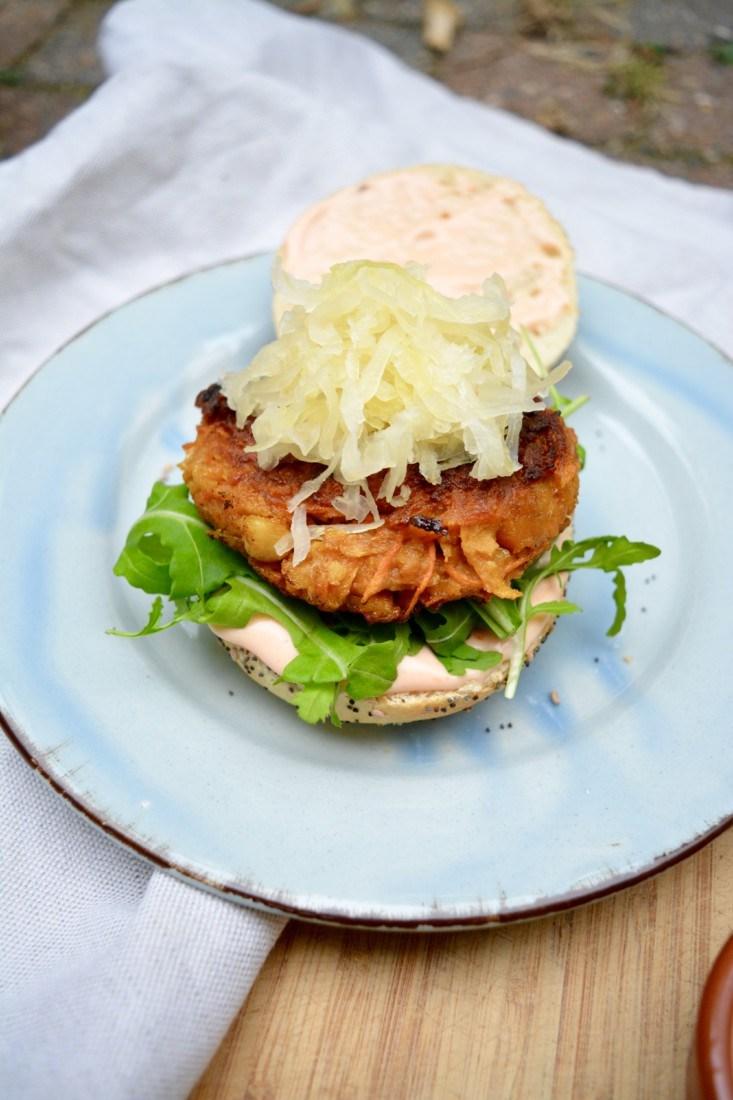 zoete aardappel en wortel burger www.jaimyskitchen.nl