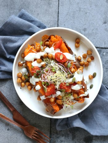Recept gepofte zoete aardappel met kikkererwten www.jaimyskitchen.nl