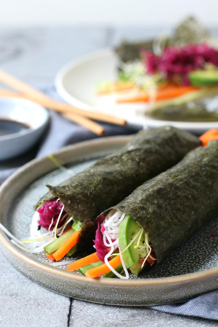 Nori sushi rolletjes met rode kool avocado en mihoen www.jaimyskitchen.nl