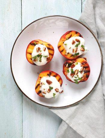 Recept gegrilde nectarine met Griekse yoghurt en pecan www.jaimyskitchen.nl
