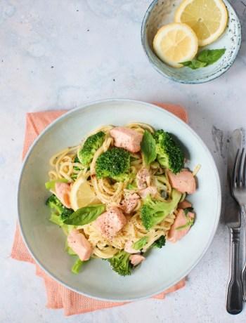 Pasta met broccoli en zalm www.jaimyskitchen.nl