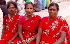 Indiennes en saree rouge