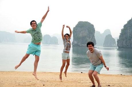 Matthieu, Eve et Arthur - La baie d'Along - Cat Ba - Vietnam