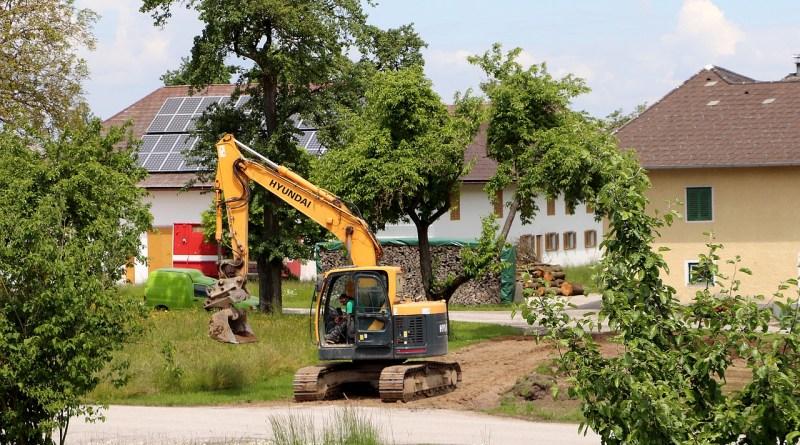 Excavator Construction Machine  - WFranz / Pixabay