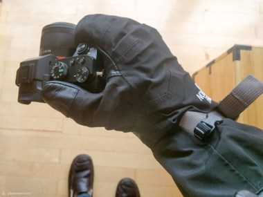 The big clamshell gore tex gloves were warm, but made it impossible to operate the camera.