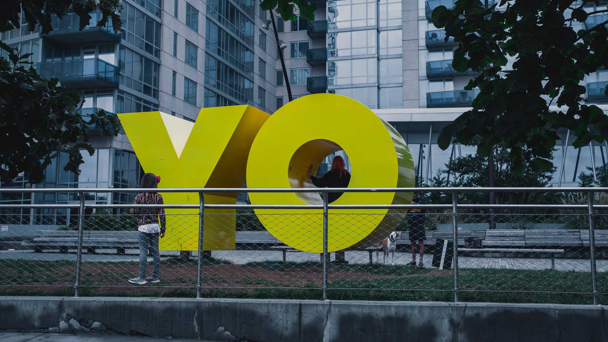 Yo sculpture, Photo byJp ValeryonUnsplash