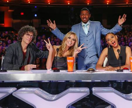 Nick Cannon joined Howard, Heidi and Mel B in a rare Howie-free photo. (Photo property of NBC & SYCO TV)