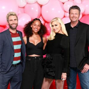 "Gwen Stefani returns to ""The Voice"" to kickstart Season 12"