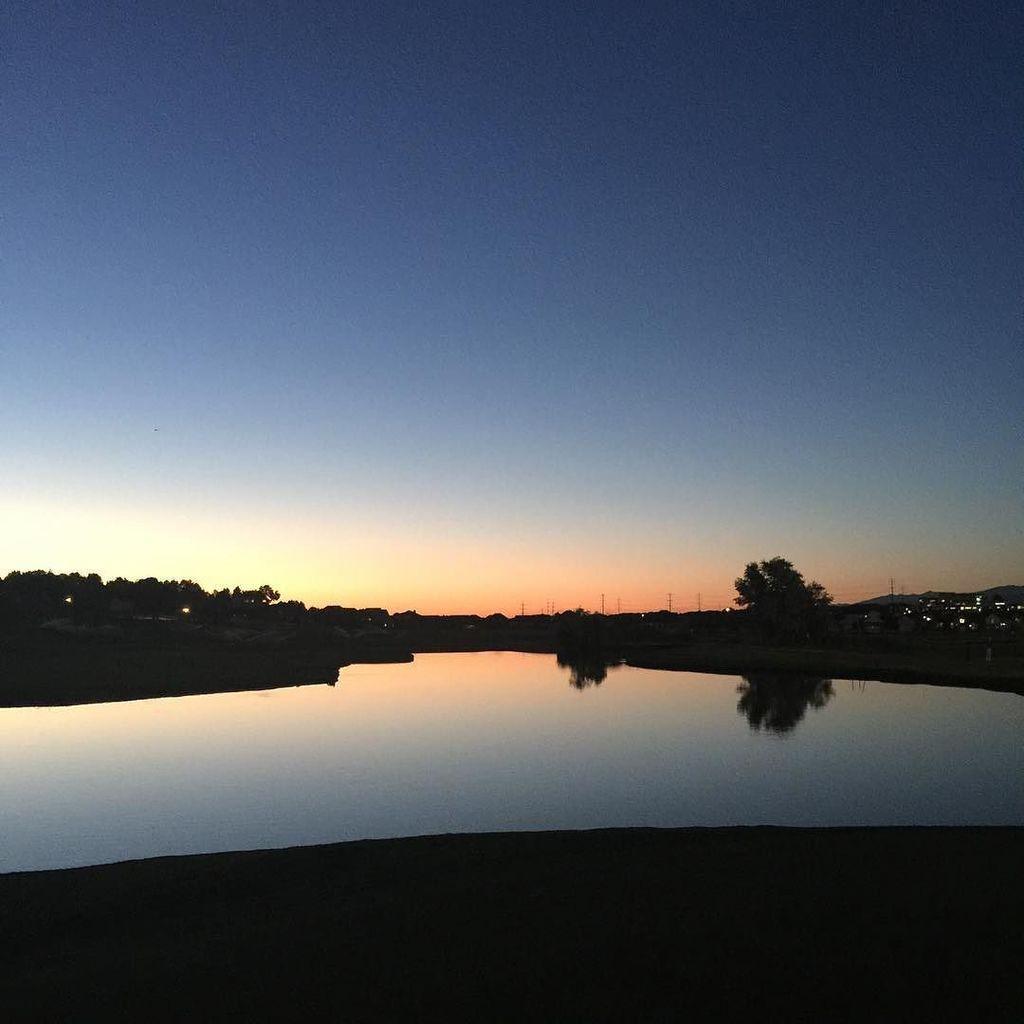 Twilight Golf https://t.co/1R1UcF0CJq https://t.co/qqB6VNpLpT
