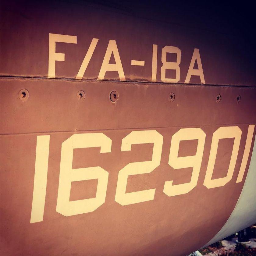 F/A-18A https://t.co/A8RWHmcNkD https://t.co/XnFYdNGvqB