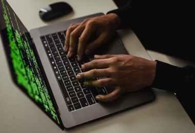 Czy to prawda, że firmy antywirusowe same tworzą wirusy?