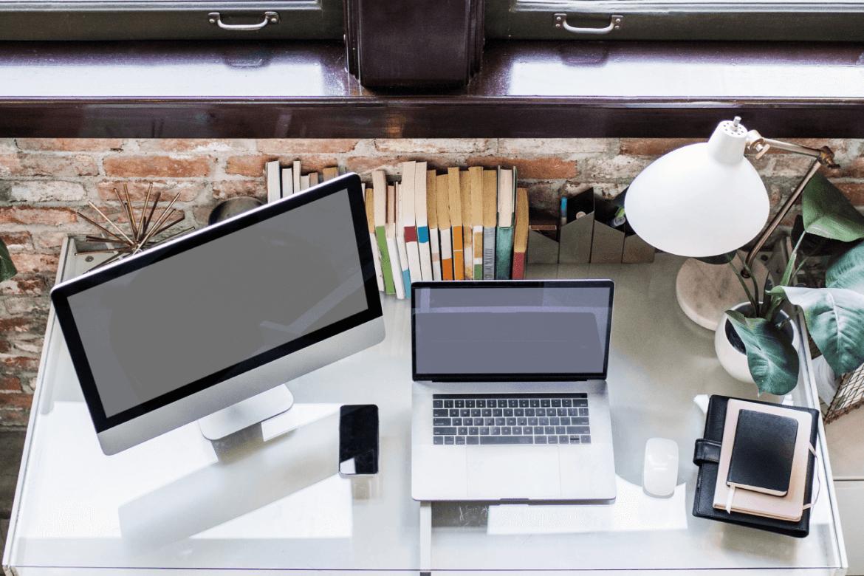 Laptop czy komputer stacjonarny do pracy? Co lepsze