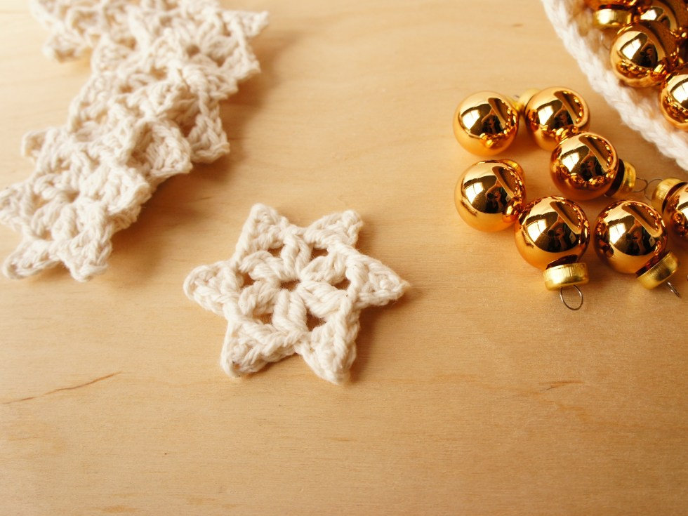 Free Crochet Pattern Medium One Round Snowflake Jakigu