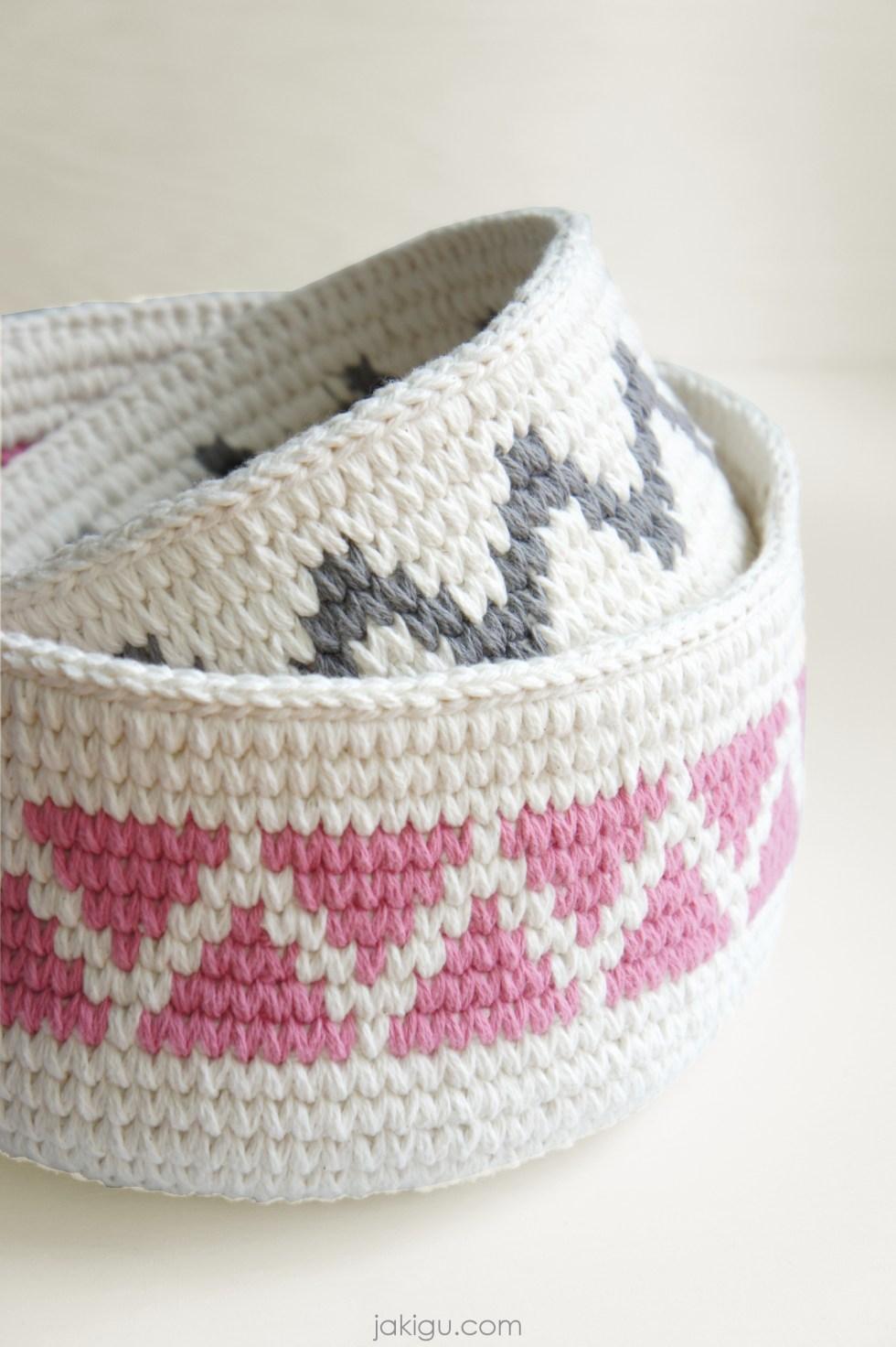 Geometric crochet baskets by jakigu.com