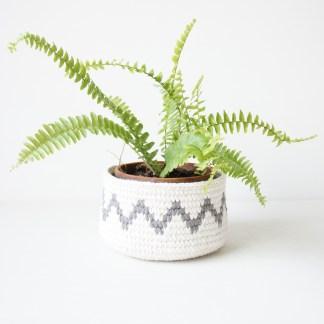 Geometric Crochet Basket, detailed crochet pattern and guide by jakigu.com