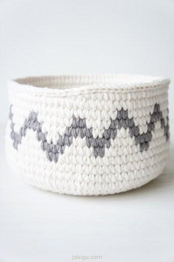Grey chevron - join detail   crochet basket pattern by jakigu.com
